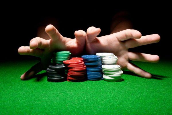 """""""All In"""" là một thuật ngữ chỉ tất tay, tức là giao dịch với tất cả số tiền mình đang có."""