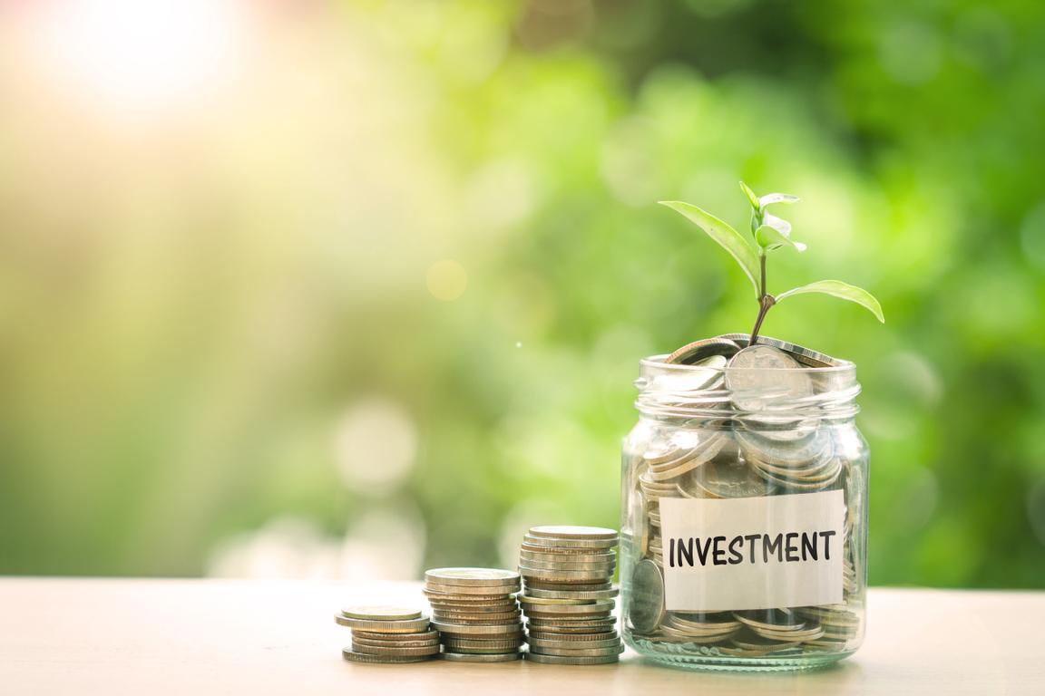 Quỹ đầu tư là các tổ chức gồm các chuyên gia có kiến thức và kinh nghiệm giao dịch.
