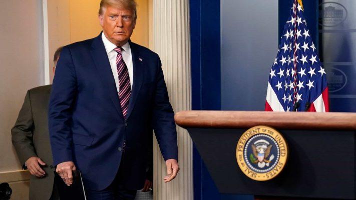 Trump cấm Mỹ đầu tư vào một loạt công ty Trung Quốc