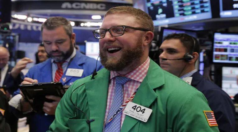 Phố Wall phục hồi nhẹ, nhà đầu tư ồ ạt trở lại với cổ phiếu công nghệ
