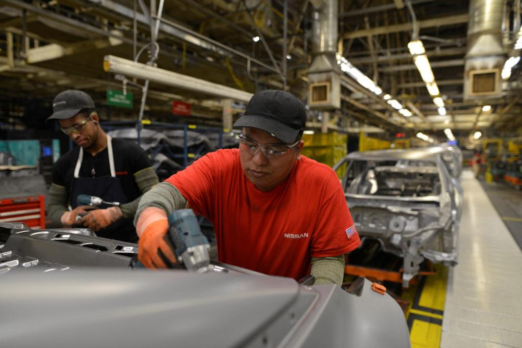 Sản xuất trên toàn cầu phục hồi mạnh