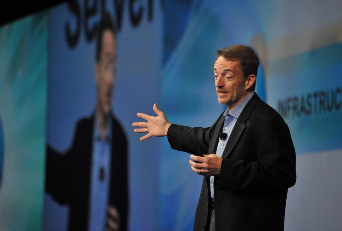 Vừa được bổ nhiệm, CEO mới của Intel đã 'tuyên chiến' với Apple