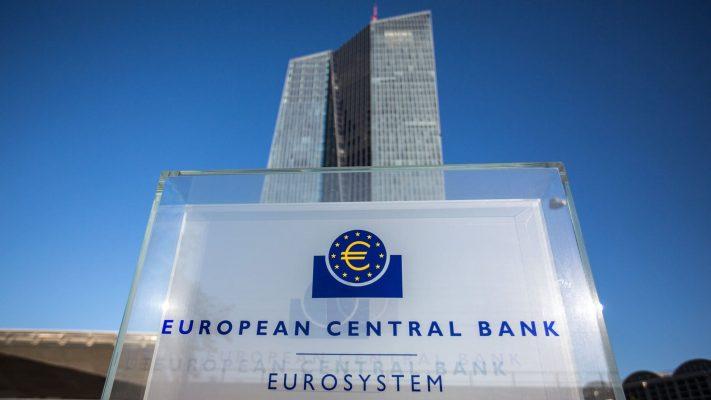 Ngân hàng Trung ương Châu Âu giữ nguyên mức lãi suất, đồng euro tăng giá