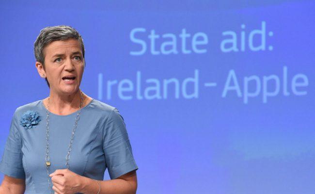 Châu Âu cáo buộc Apple